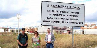 La subedelegada de Govern visita els terrenys que Onda ha posat a la seua disposició per a la caserna de la Guàrdia Civil