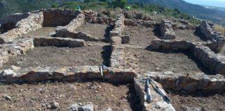 Alumnes del taller d'ús de jardineria de Cabanes posa a punt el Tossal del Mortórum i adequa diversos espais